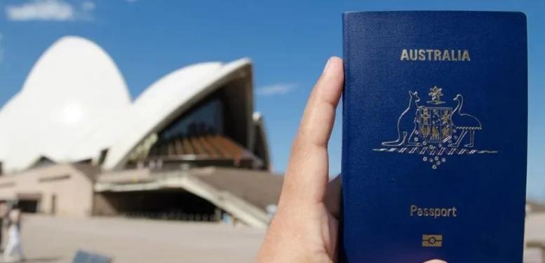 澳洲护照更值钱了 :免签留英两年以上,医保共享